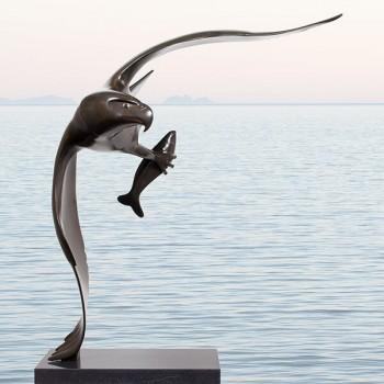 Roofvogel met vis no. 2